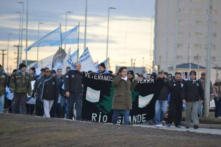 Marcha Elcano otra