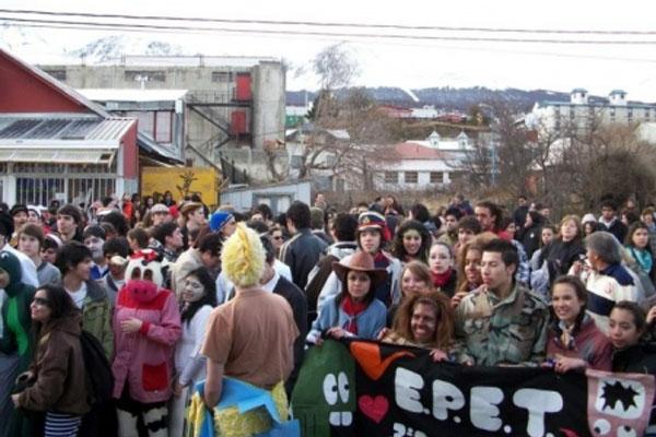Los jovenes, unidos por un evento para toda Ushuaia.