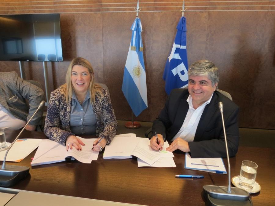 Acuerdo con YPF por extensión de concesión de más regalías para TdF