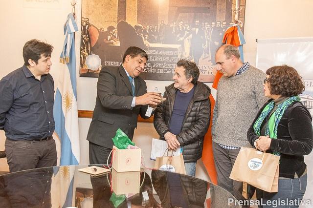 Carlos Sorín fue recibido por el vicegobernador Arcando y el legislador Harrington