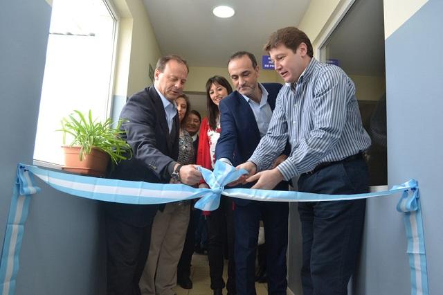 El corte de cinta estuvo a cargo del Director General del Grupo Mirgor, José Alonso, Sonia Castiglio