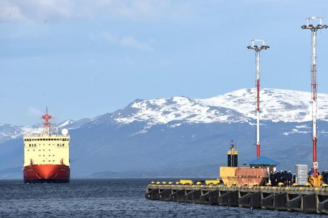 Pruebas de expedición: El Irízar ya navega rumbo a la Antártida