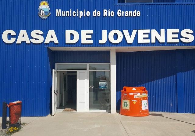 Río Grande: Instalaron un iglú en la Casa de los Jóvenes