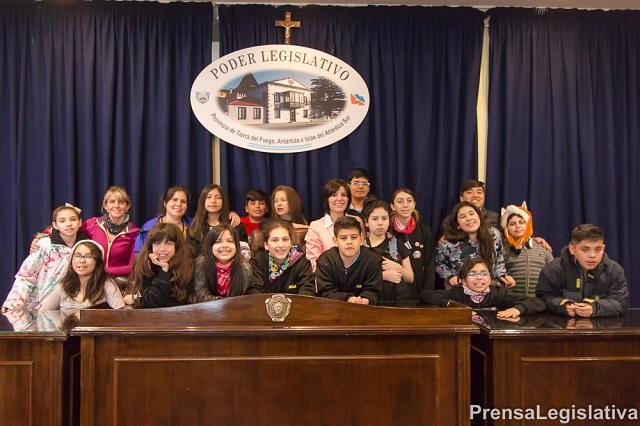 Alumnos riograndenses conocieron el funcionamiento de la Legislatura