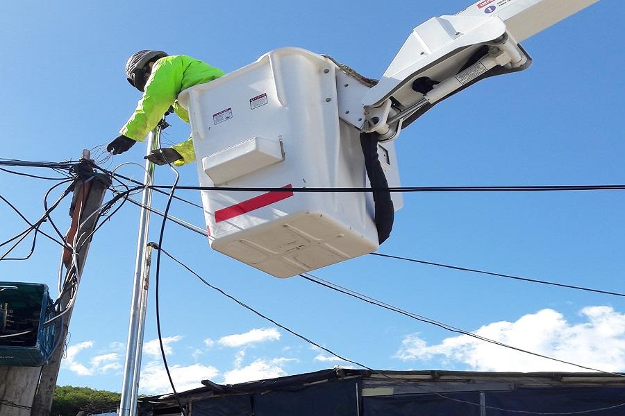 Primera conexión regular de energía eléctrica en el Barrio Escondido de Ushuaia