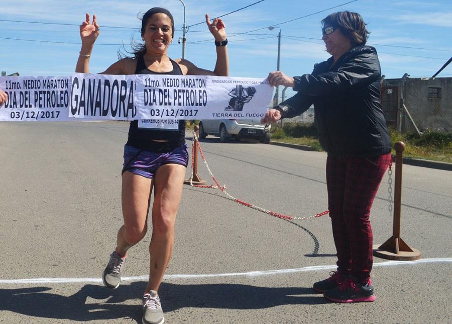 Daniela Bayerque ganó el Medio Maratón del Petróleo