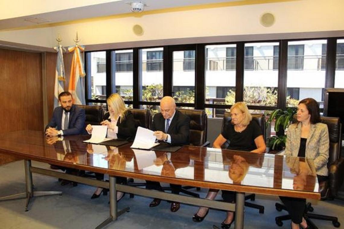 Asistencia financiera: Acuerdo entre Bertone y el CFI por $24 millones
