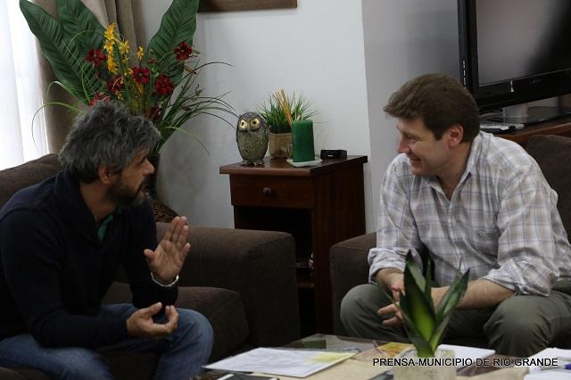 El intendente Melella recibió al concejal de Ushuaia Romano