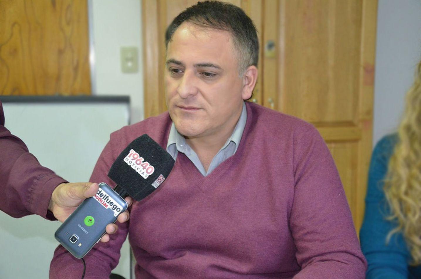 Ministro de Educación Diego Romero