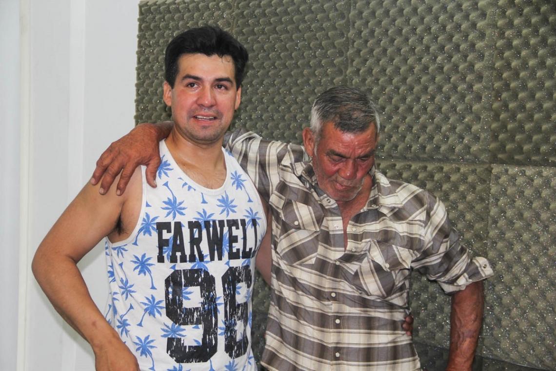 Pasaron 30 años: Emotivo reencuentro de un riograndense con su padre