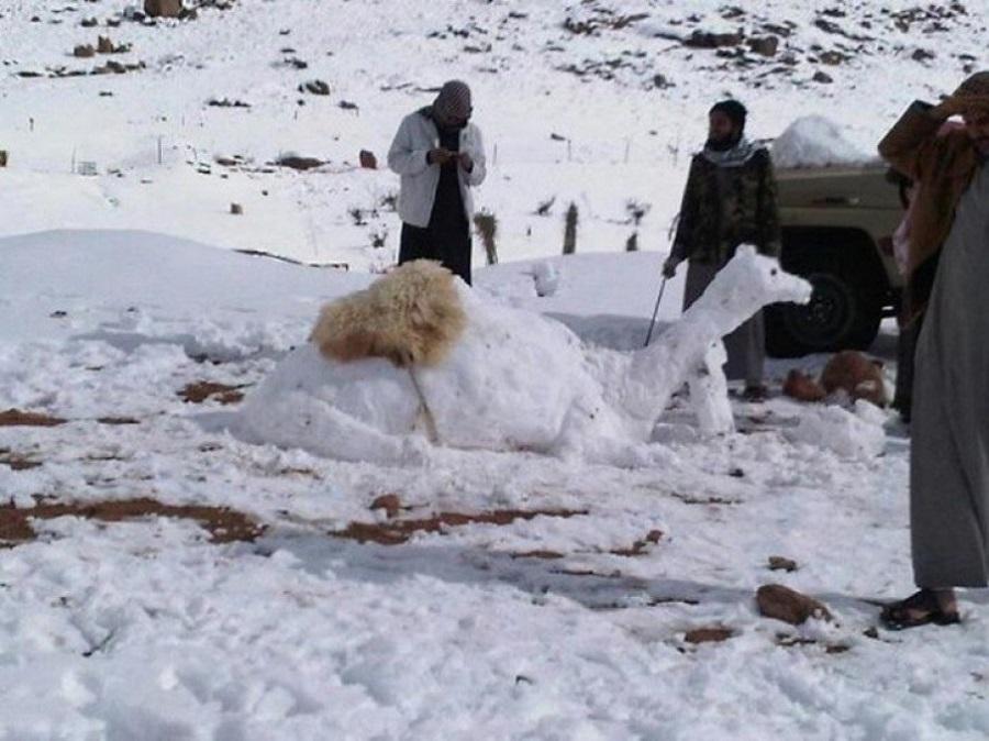 La ola polar hizo nevar en el desierto del Sahara por tercera vez en casi 40 años