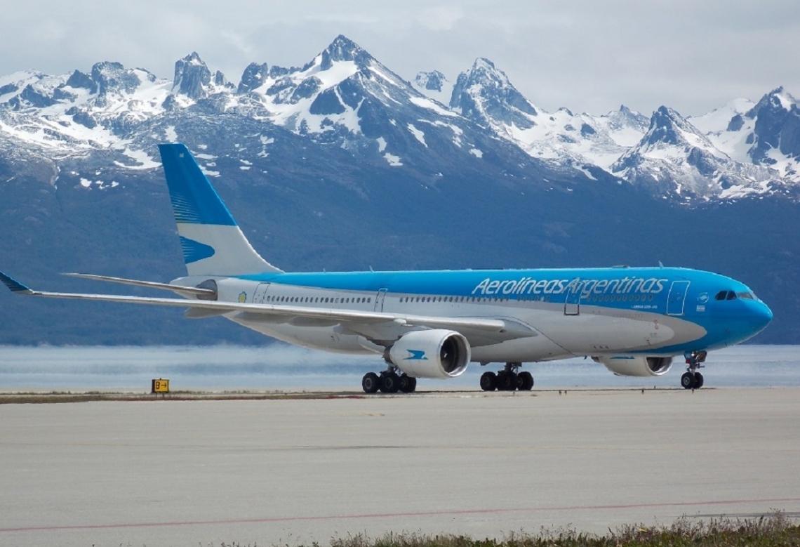 Ushuaia y El Calafate quedaron sin vuelos de Aerolíneas