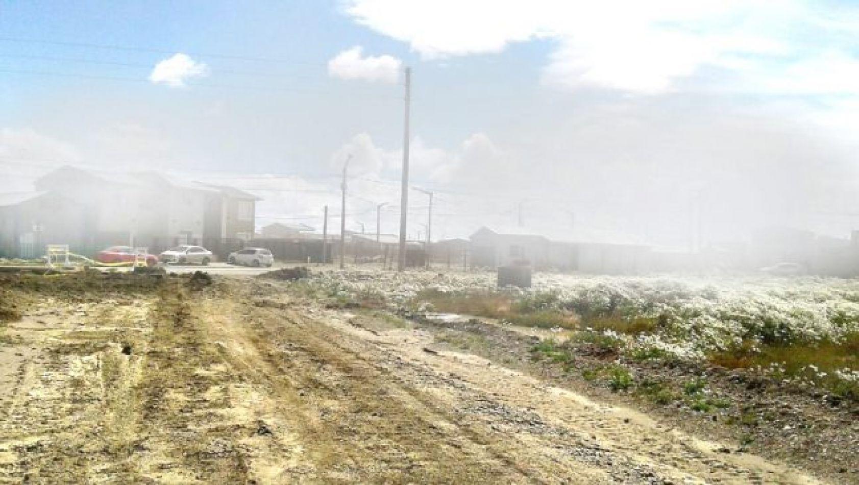 Nubes de polvo que se trasladan desde hacia la ciudad