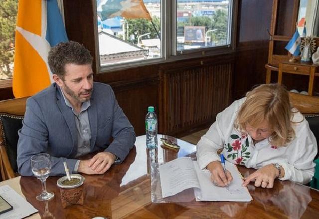 El gobierno provincial entregó subsidio para obra sobre el Monte Cervantes