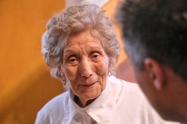 La mirada de Sara, a sus 101 años, cautiva