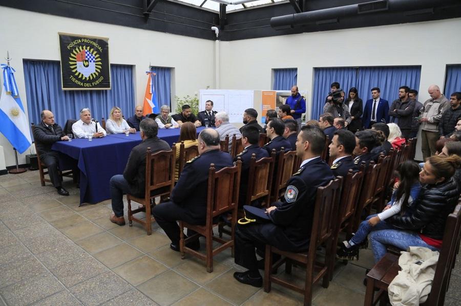 Gobierno anunció la construcción de un gimnasio para la Escuela de Policia de la provincia