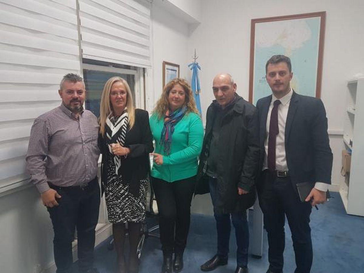 En la reunión se trataron variados temas de trabajo en conjunto para la próxima campaña antártica de verano 2018/19.