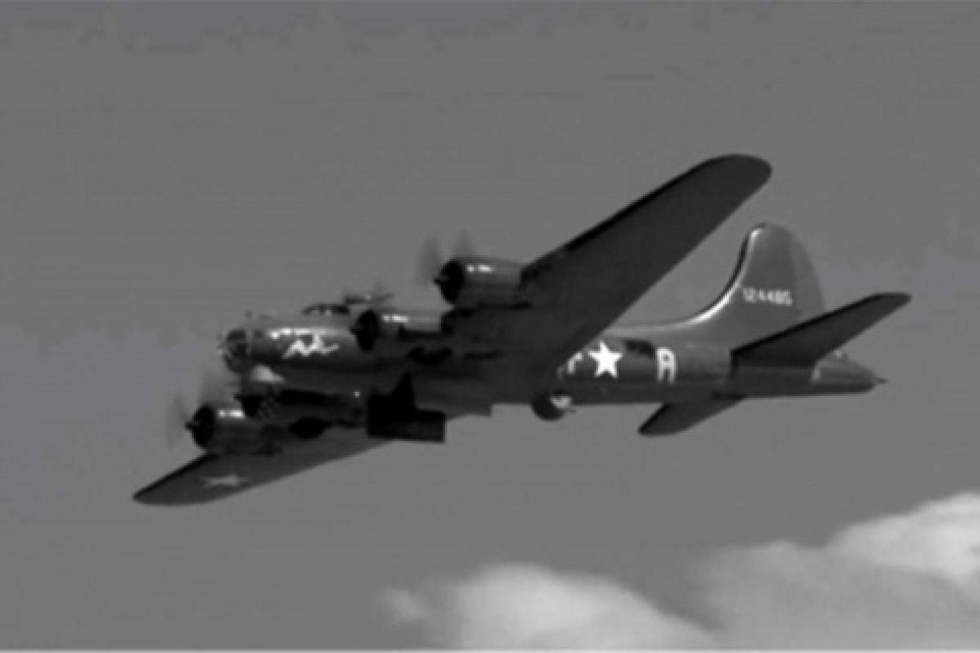 Avión B-17 estadunidense abatido durante la Segunda Guerra Mundial