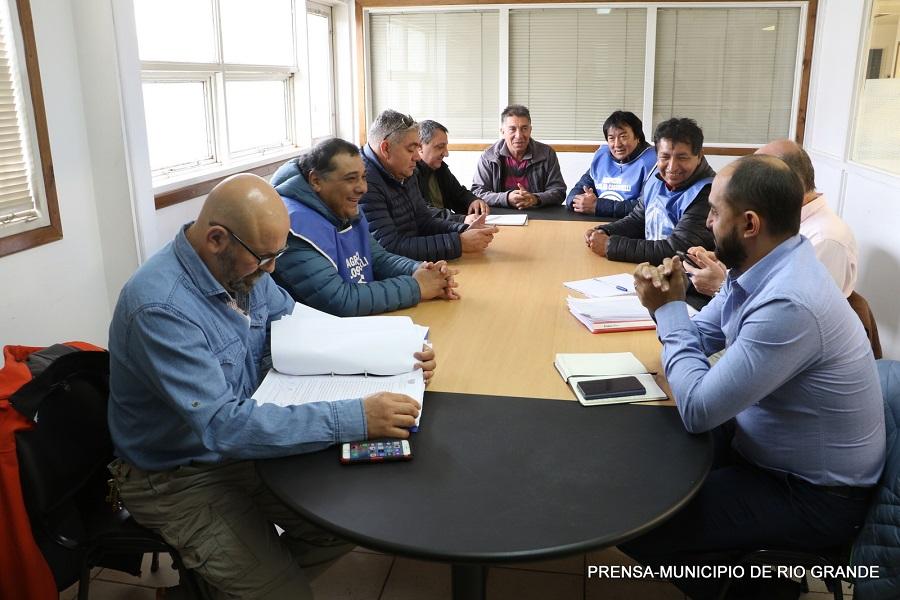 Río Grande: ATE y ASOEM continúan con las reuniones paritarias