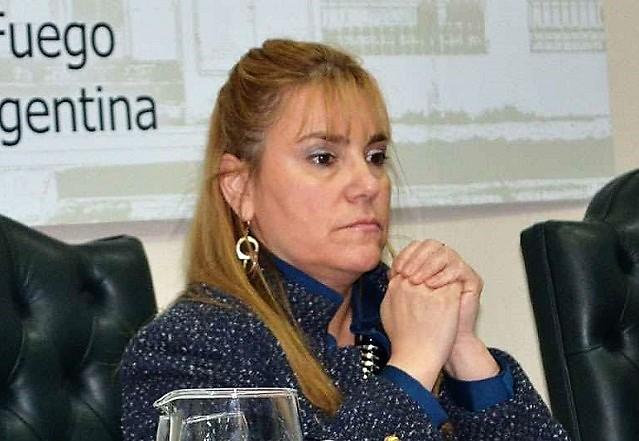 Miriam Boyadjian, entre los senadores que canjearon pasajes no utilizados