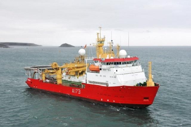 Llegó un barco británico que hará investigaciones en la Antártida