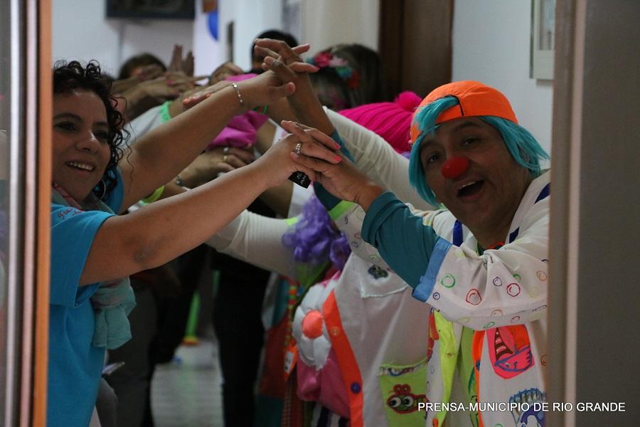 """Los Payaterapeutas visitaron el Centro de Rehabilitación """"Mamá Margarita"""""""