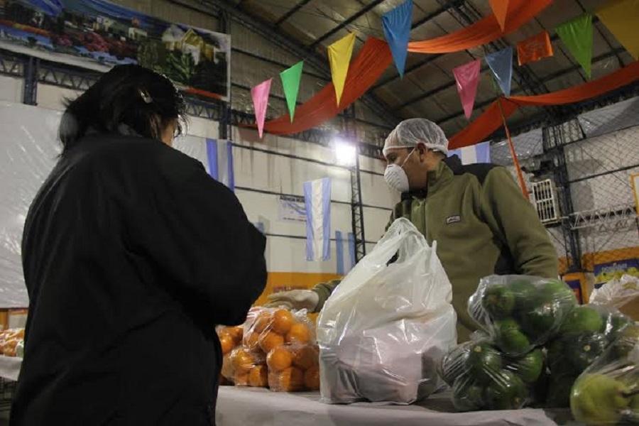 El municipio lleva la Feria Solidaria de Precios a Chacra XI