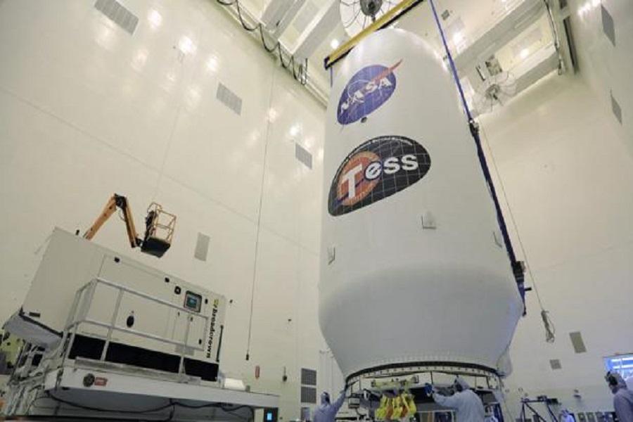 """La NASA lanzó """"Tess"""", el nuevo telescopio espacial para buscar exoplanetas"""