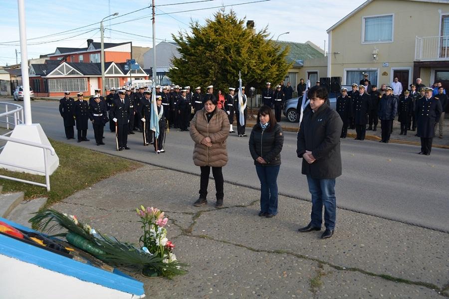 Concejales rindieron homenaje a los caídos al cumplirse 36 años de su hundimiento
