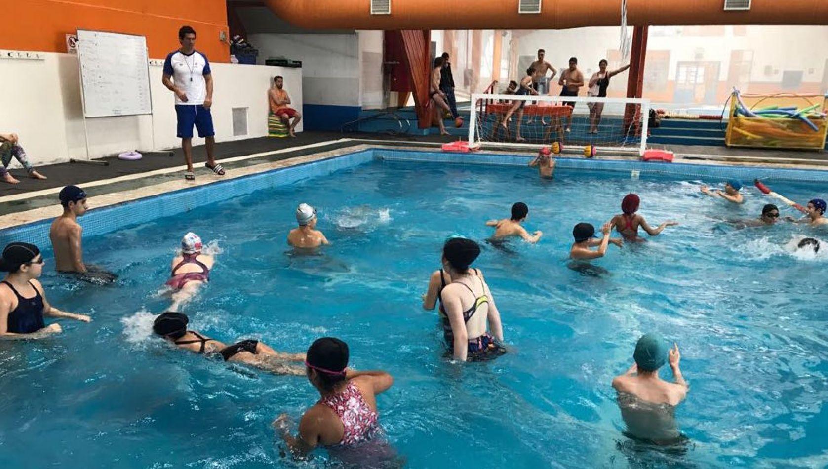 El equipo de Waterpolo de Río Grande participará de la Copa Néstor Monzón