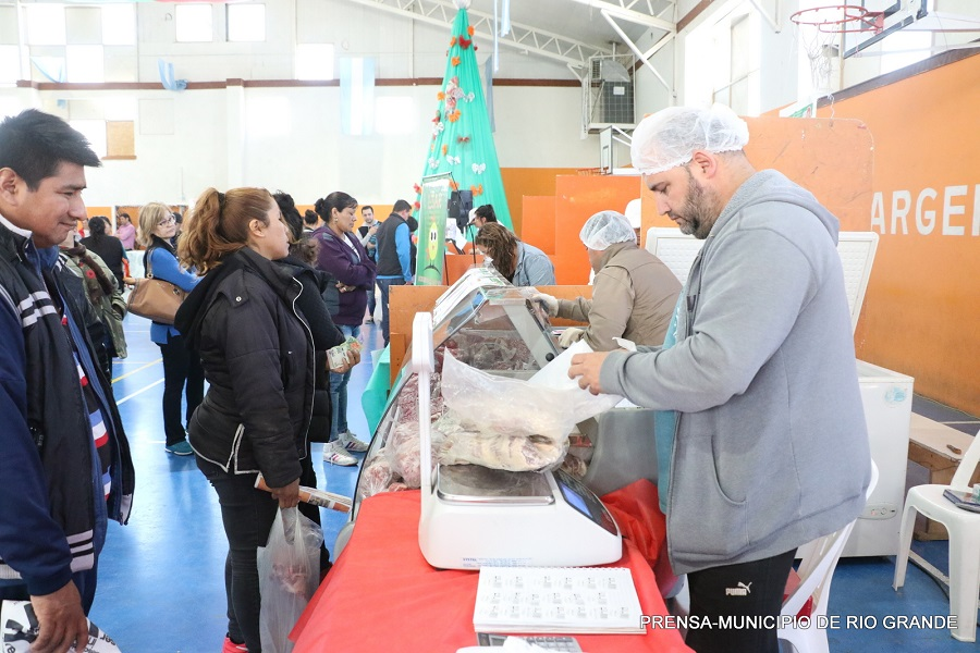 Feria Solidaria de Precios en el Polideportivo Carlos Margalot