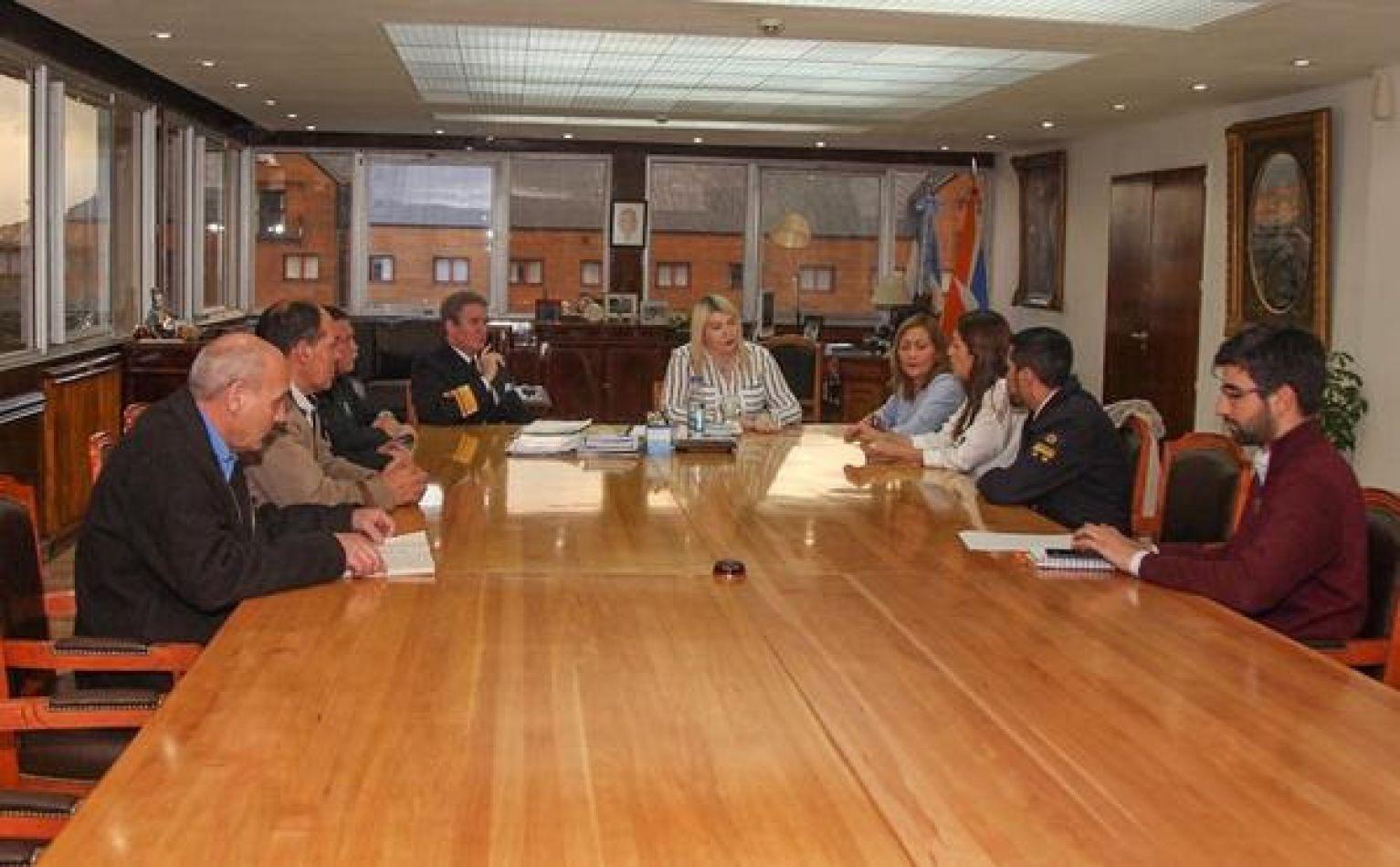 Bertone recicbió a los familiares del héroe de Malvinas Victor Hugo Juarez