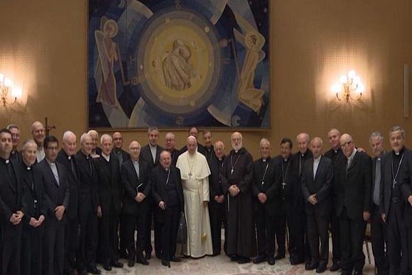 Renunciaron todos los obispos chilenos tras encuentro con el Papa por escándalo de abusos