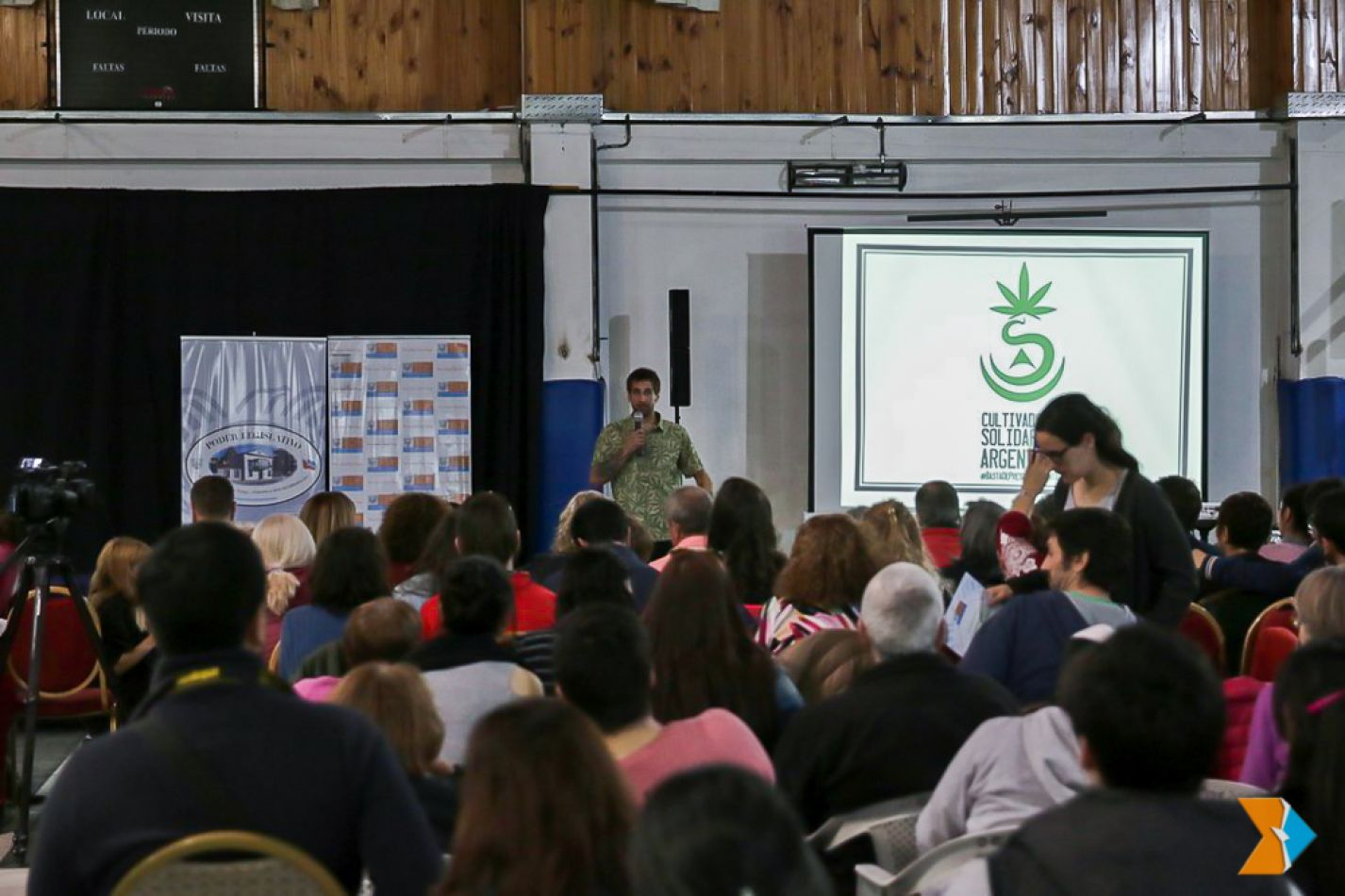 Masiva asistencia al seminario de cannabis terapéutico y salud