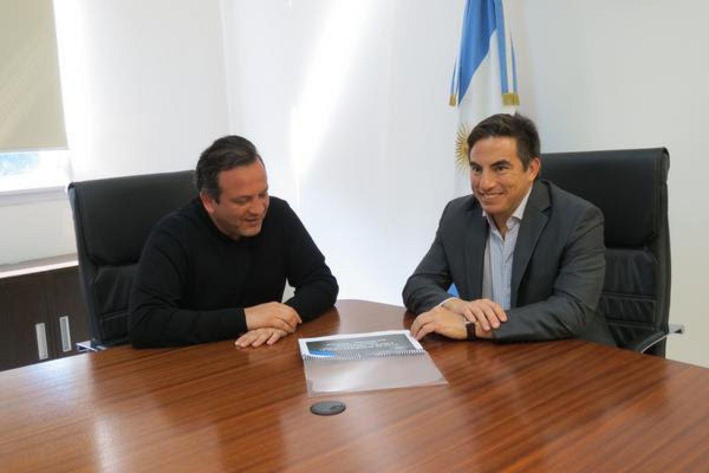 El secretario de Estado de Seguridad Javier Eposto y el director Nacional de la Policía de Seguridad Aeroportuaria (PSA)  Alejandro Itzcovich Griot