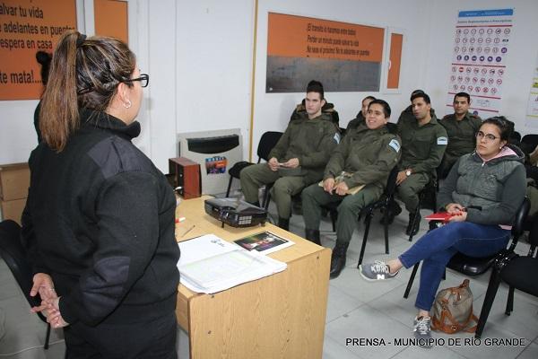 Personal de Tránsito brindó capacitación a efectivos de Gendarmería Nacional