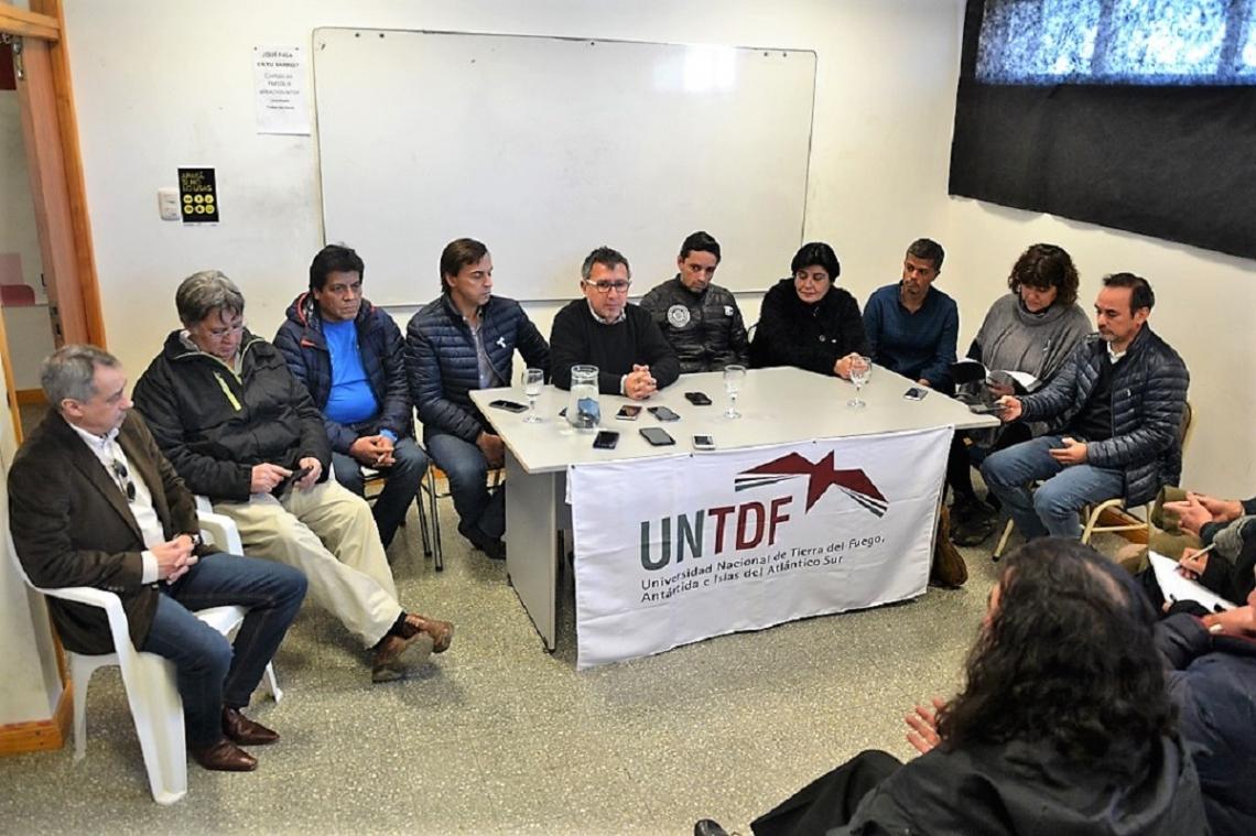 El Observatorio Cuestión Malvinas brindó una conferencia de prensa