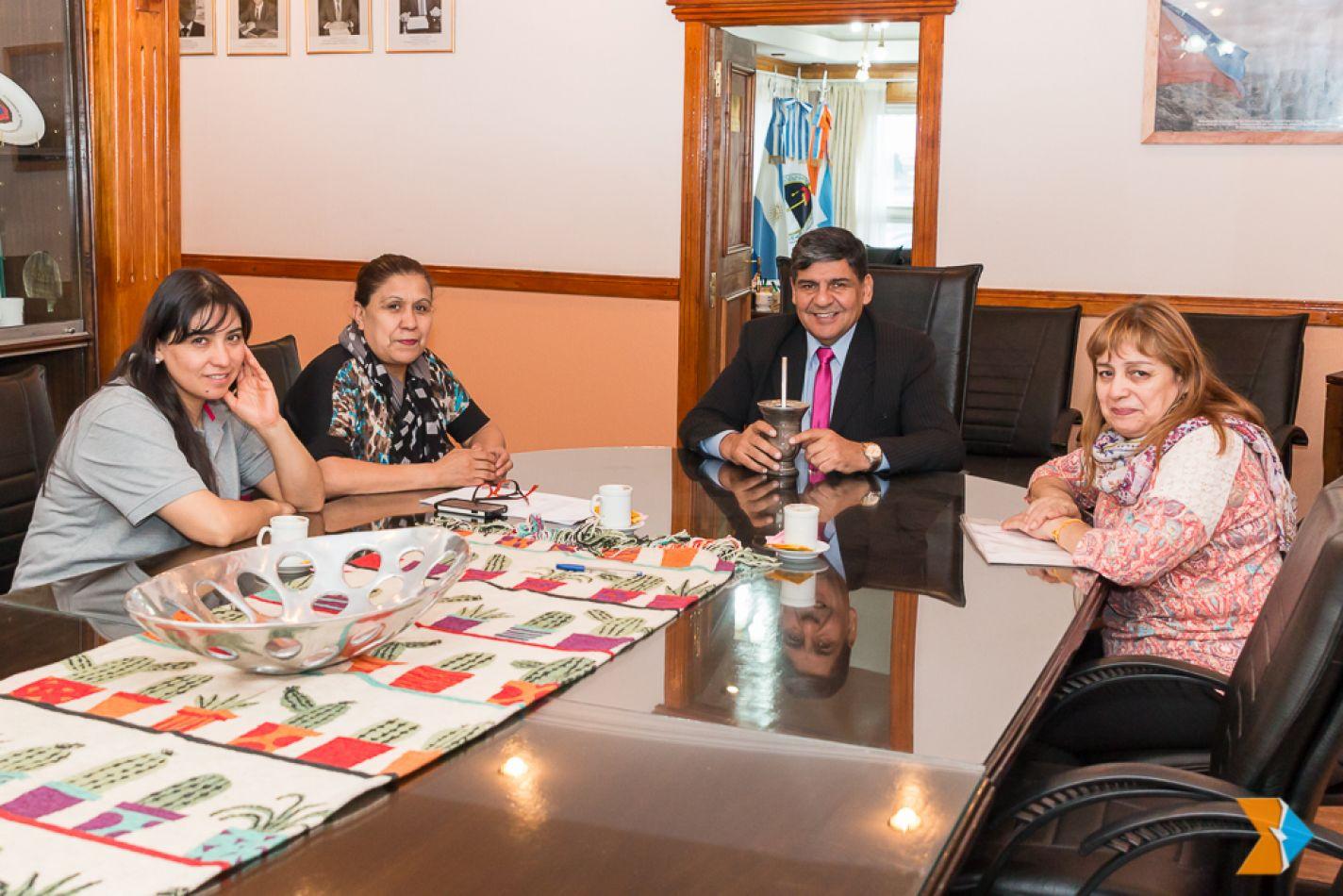 Referentes de futsal femenino visitaron al Vicegobernador