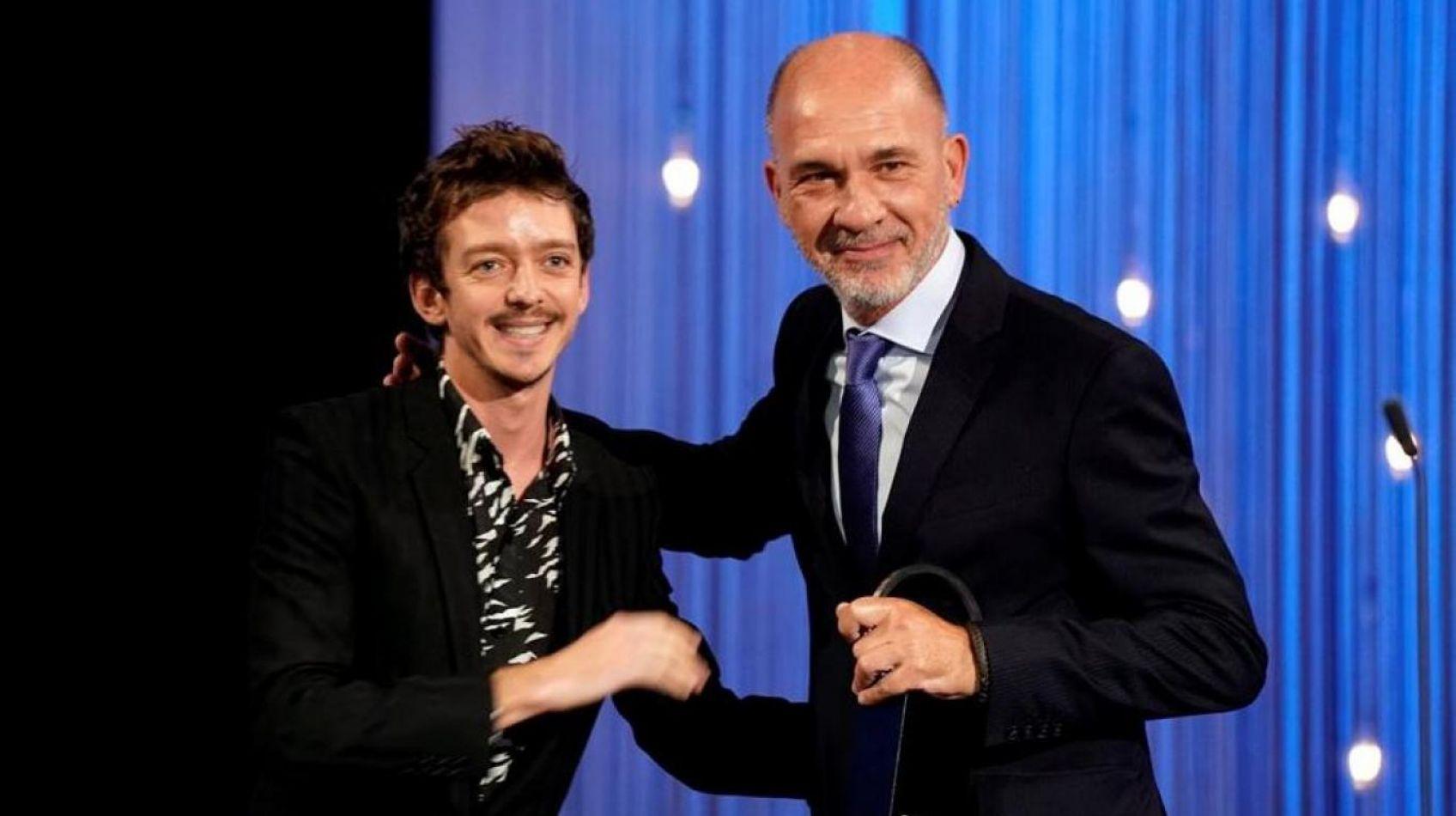 Los argentinos Darío Grandinetti y Benjamín Naishtat ganaron hoy premios Conchas de Plata al mejor actor y director