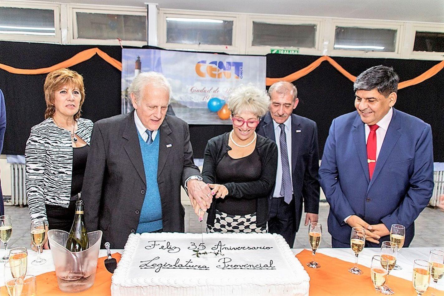 El CENT N° 11 celebró sus 35 años de trayectoria