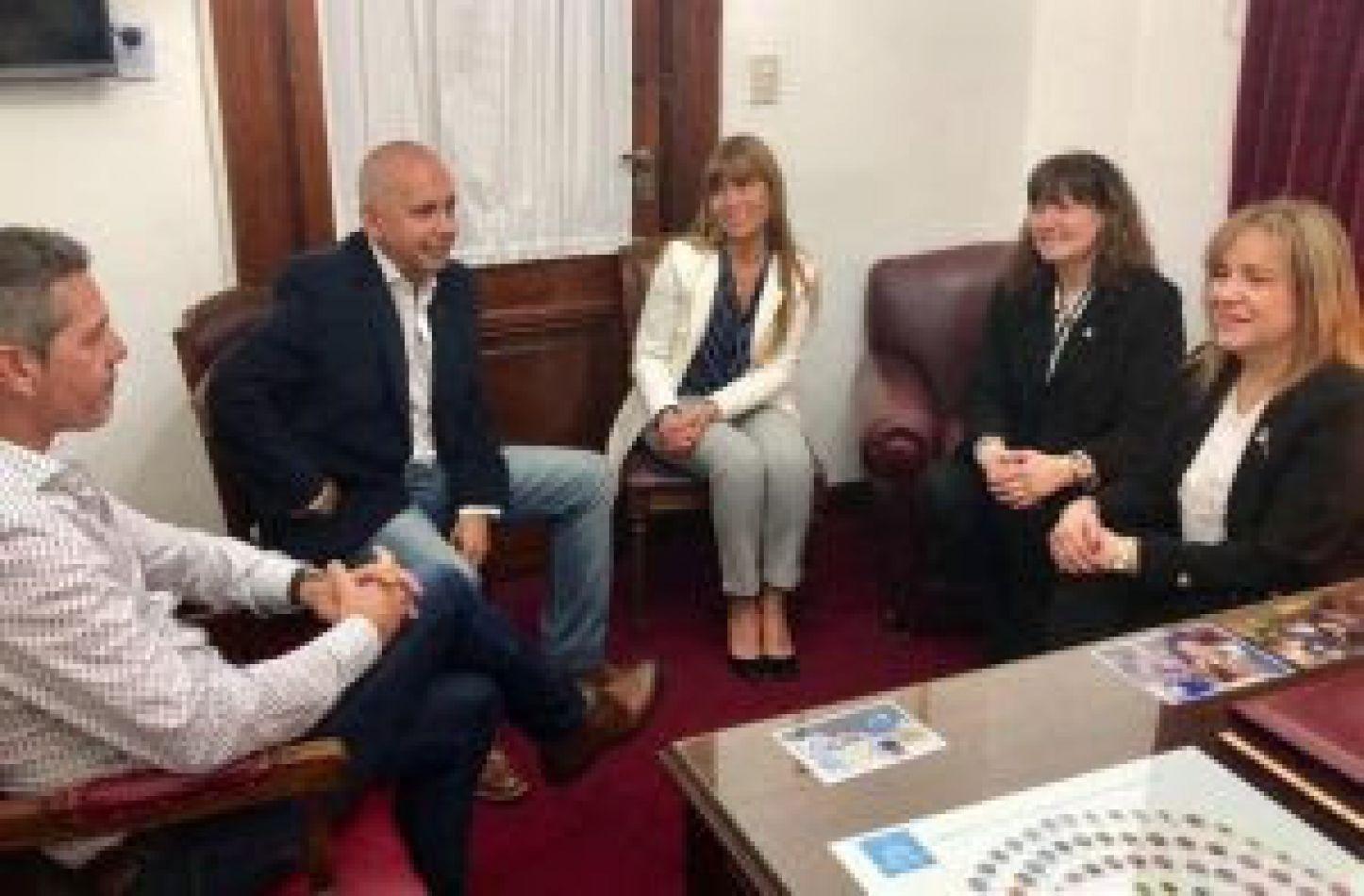 Parlamentarios fueguinos se reunieron con la senadora Miriam Boyadjian