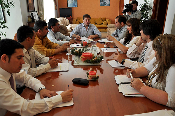 Melella presidió la reunión a la que asistieron sus Secretarios municipales.