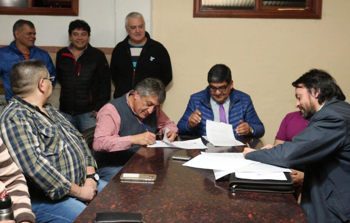 Anticipo financiero al sector maderero de Tolhuin  para la construcción de 20 viviendas sociales