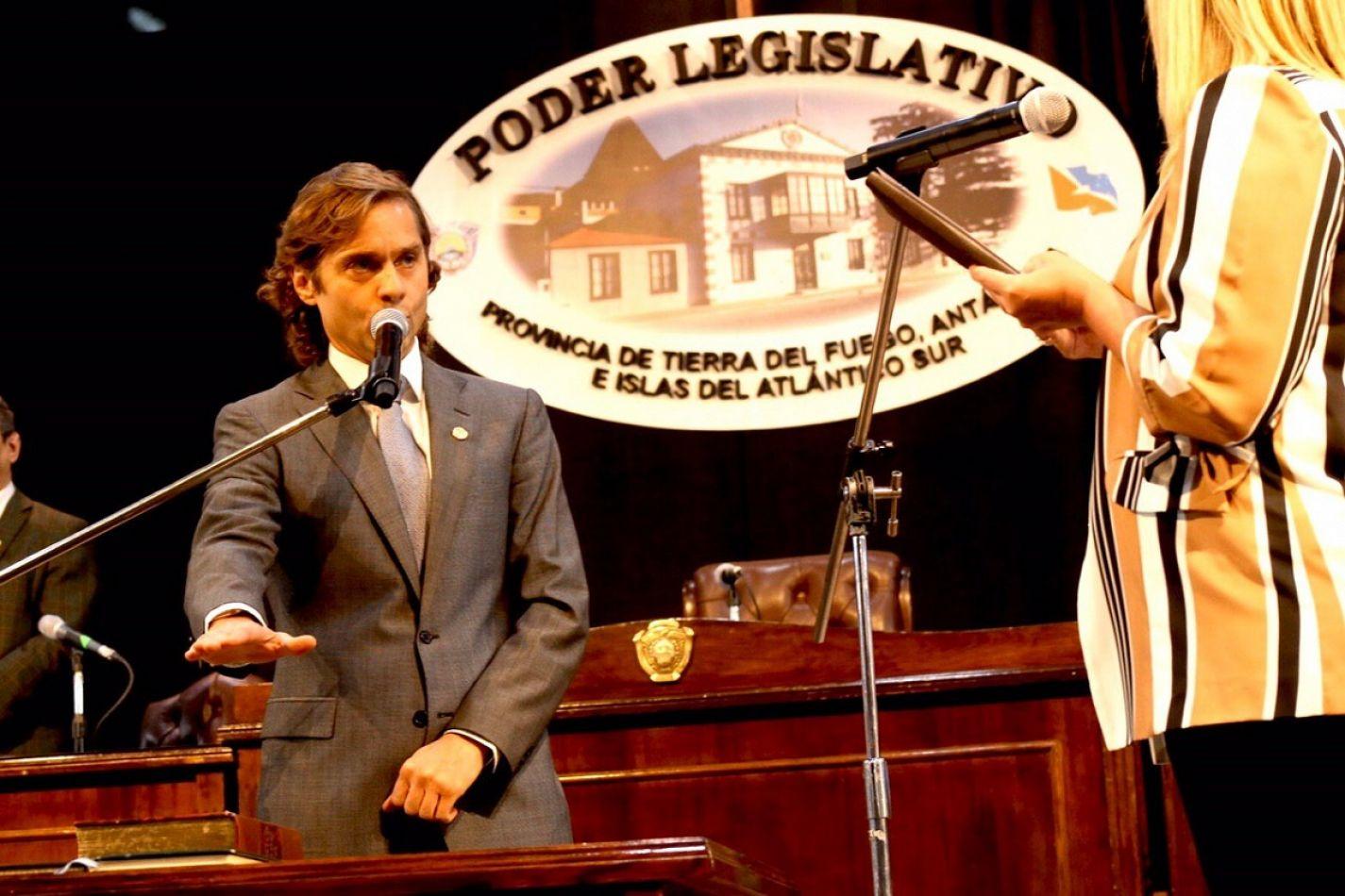 Federico Sciurano juró como legislador.