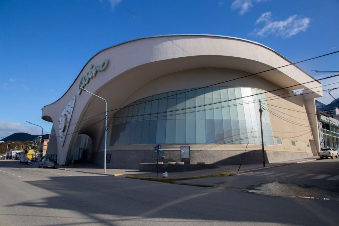 Acondicionarán el ex Casino de Ushuaia para destinarlo como espacio de salud alternativo