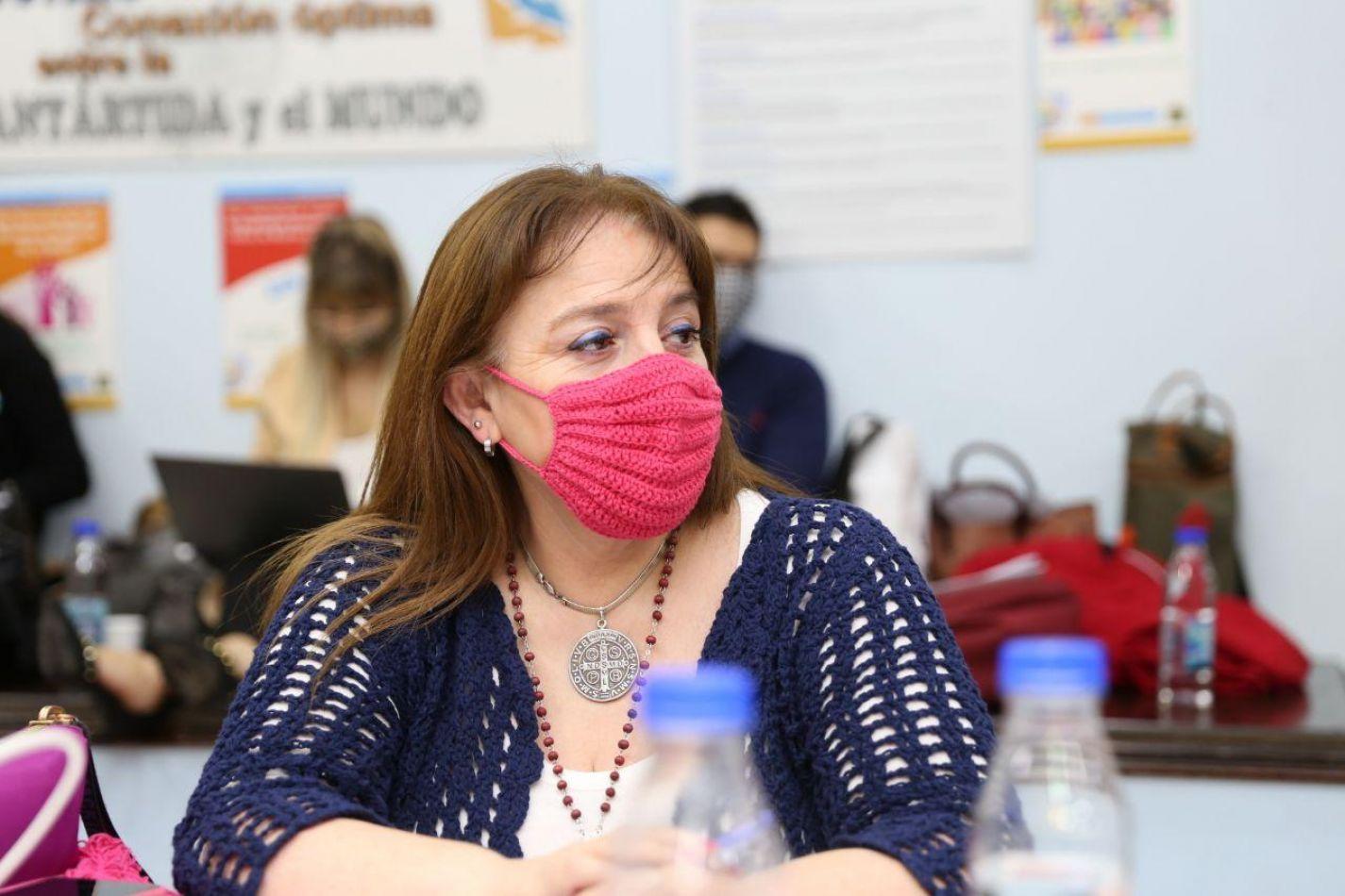Ministra de Obras y Servicios Públicos, Gabriela Castillo.