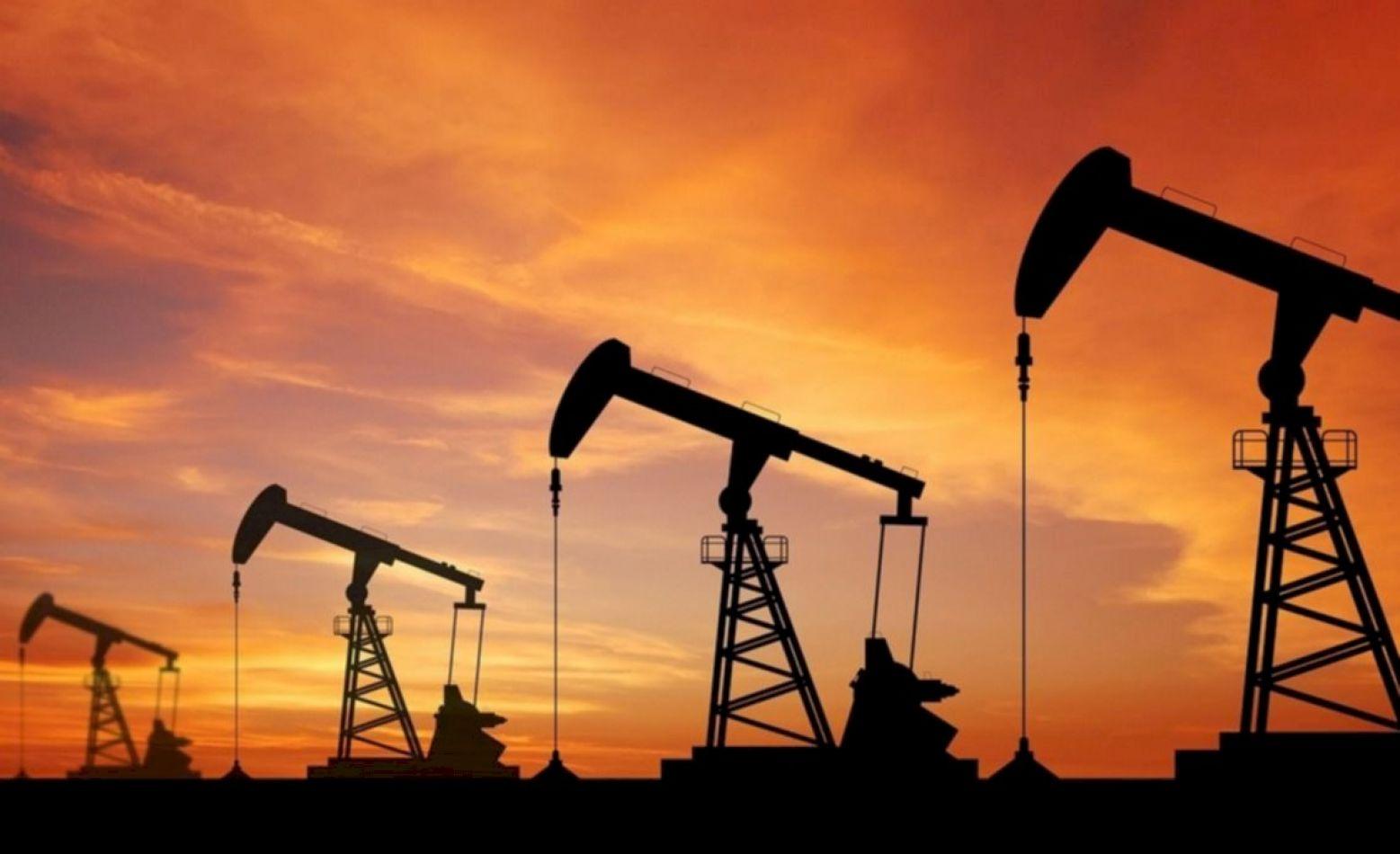Sube el precio del petróleo por efectos del huracán en México