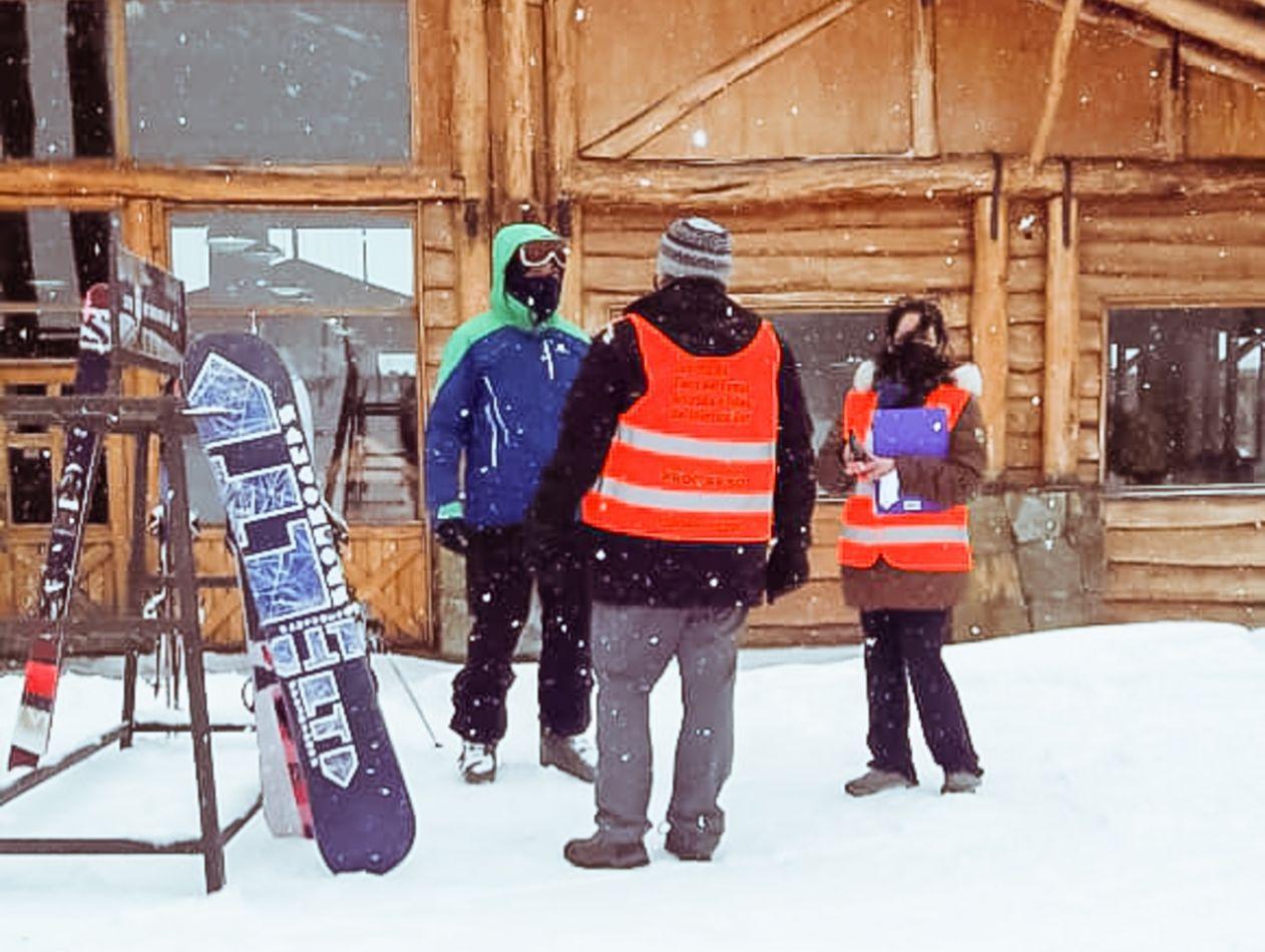 """Programa de concientización y prevención """"Cuidarnos TDF"""" visitó un centro invernal"""