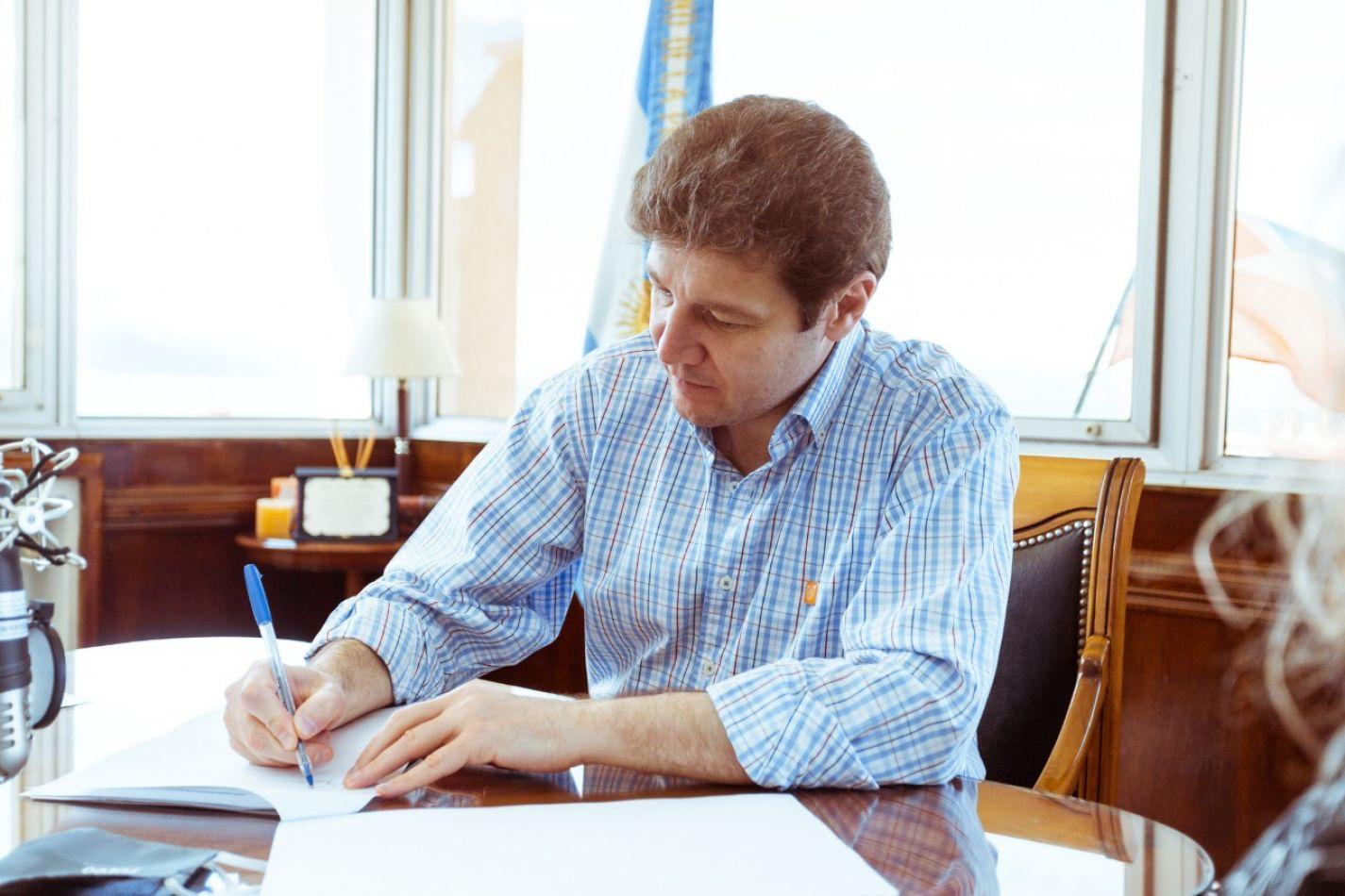 Gobernador de la provincia de Tierra del Fuego, Gustavo Melella.