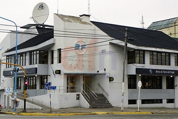 El microcentro de Río Grande lució desolado sin actividad bancaria.
